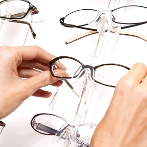 Назначение нашей специализированной призматической оптики на первичном этапе лечения.